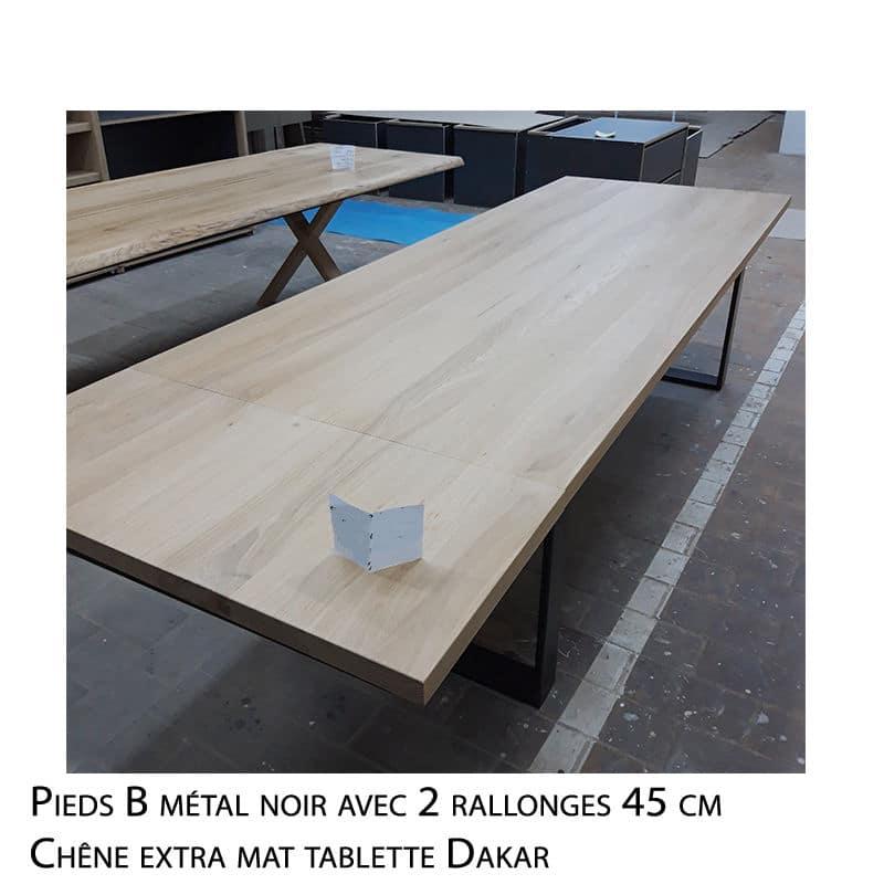 Table chêne massif pied métal sur mesure au design brut épuré