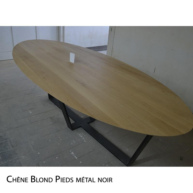 Table Oval chêne pieds métal